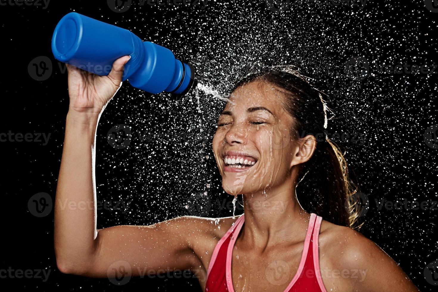 fitness löpare kvinna dricka foto