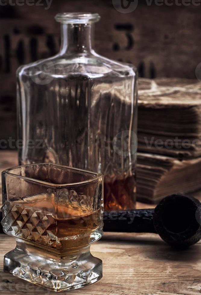 alkoholhaltig dryck av whisky foto