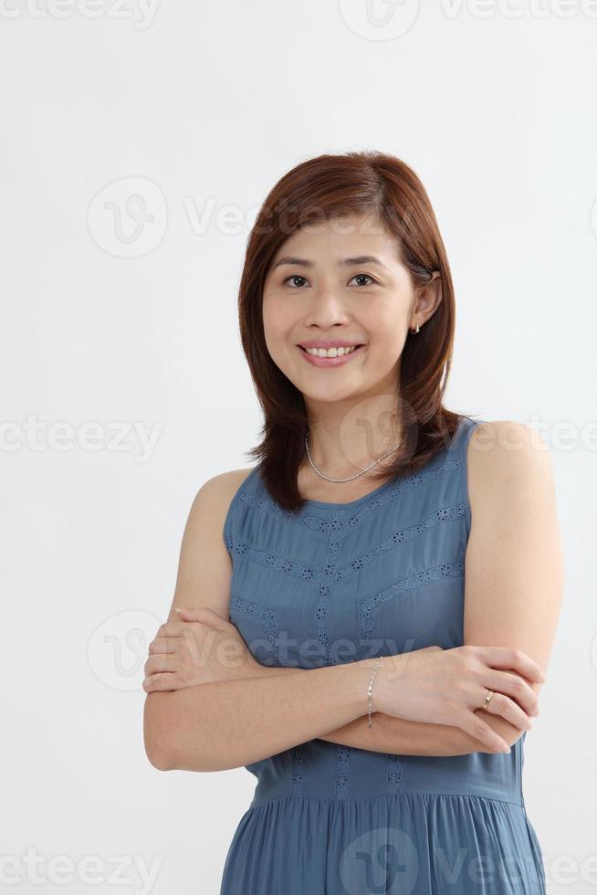 stående kinesisk kvinna foto