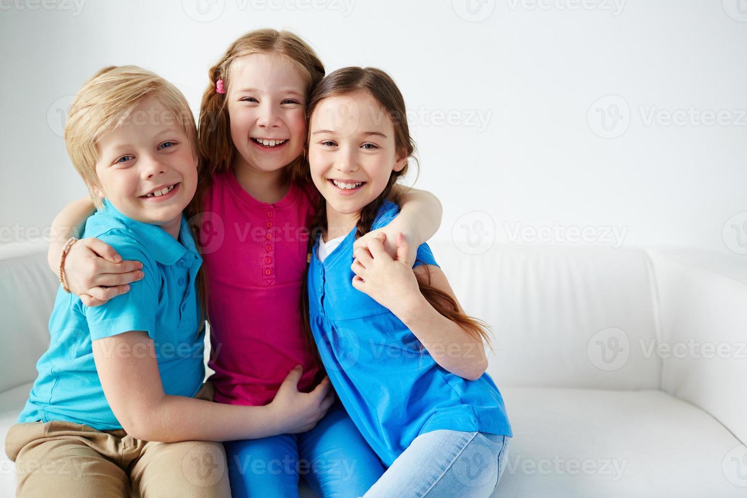 glada barn foto