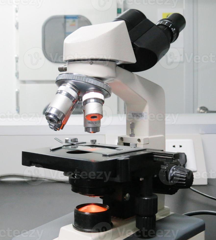 laboratoriemikroskop foto