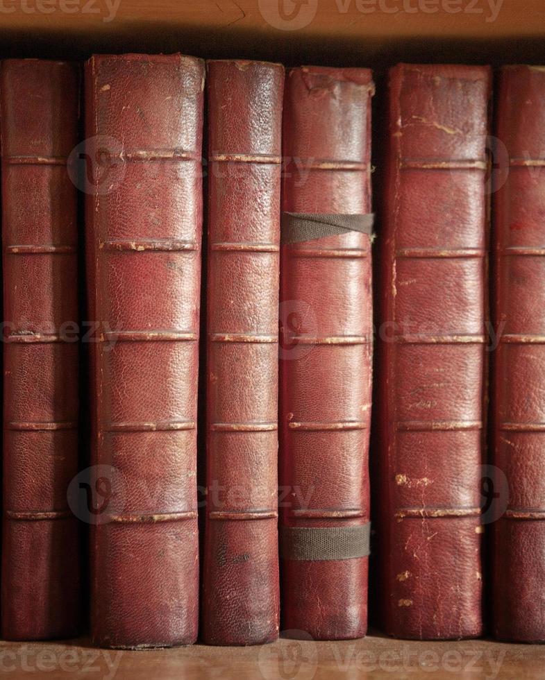 många böcker foto