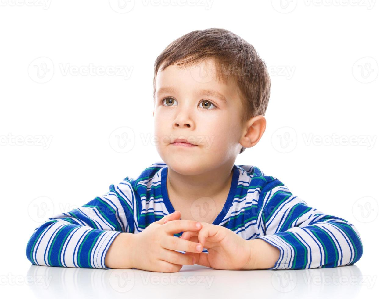 porträtt av en trevlig glad pojke foto