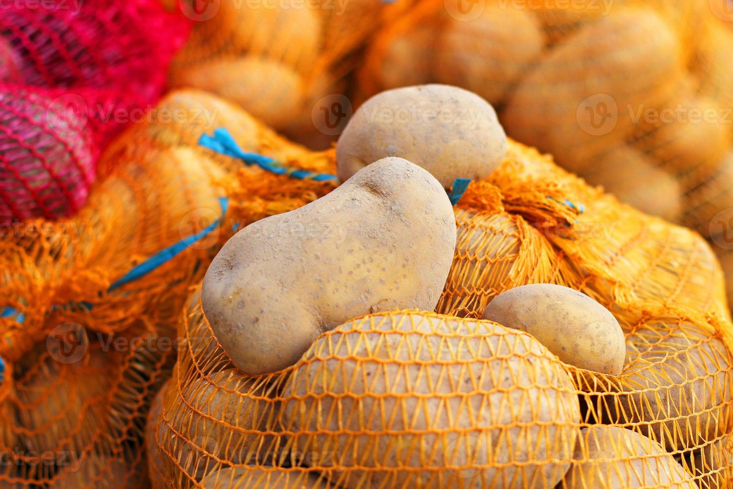 potatis i säcken foto