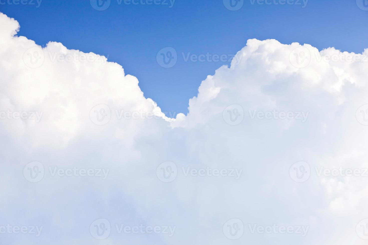 perfekta moln med kopieringsutrymme foto
