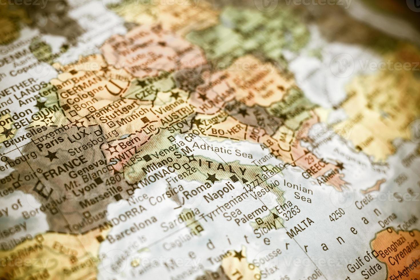 närbild karta Italien foto