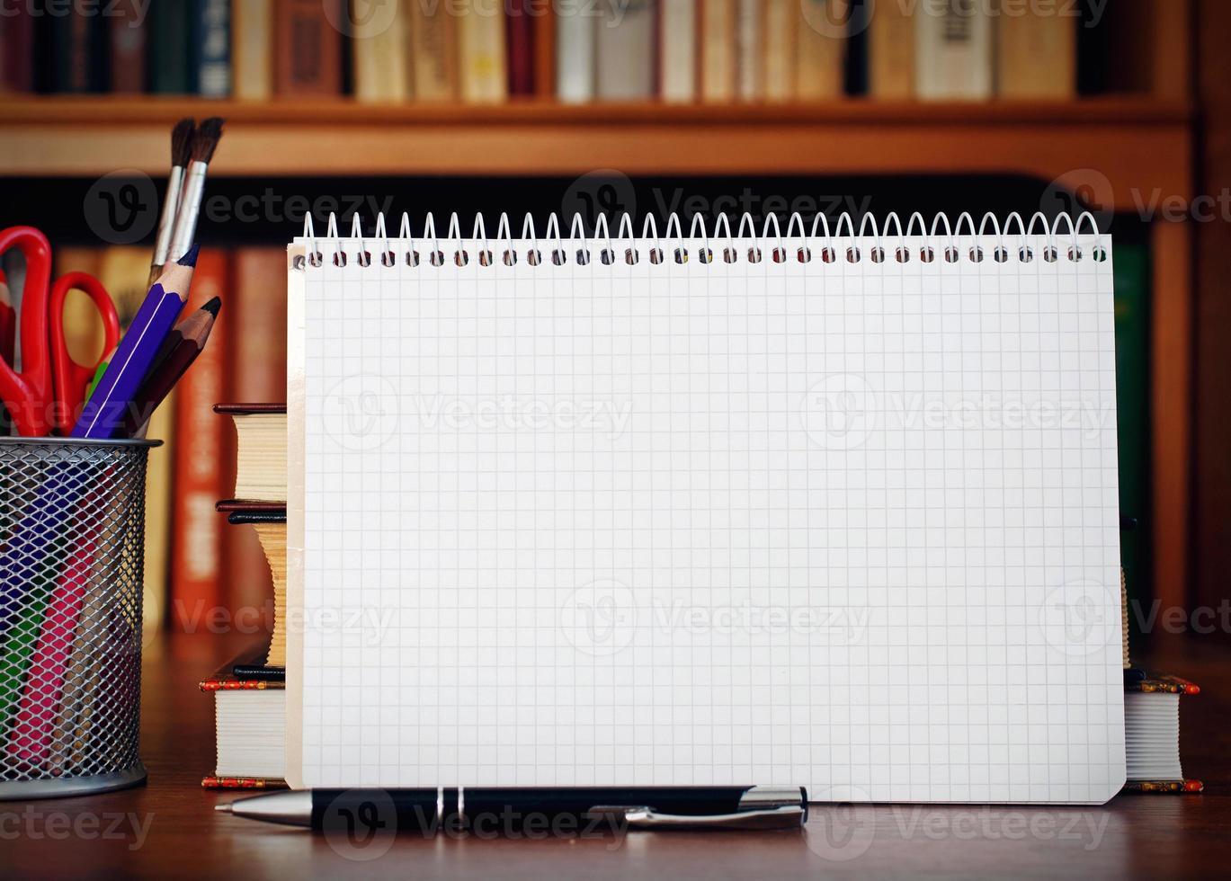 öppen anteckningsbok foto