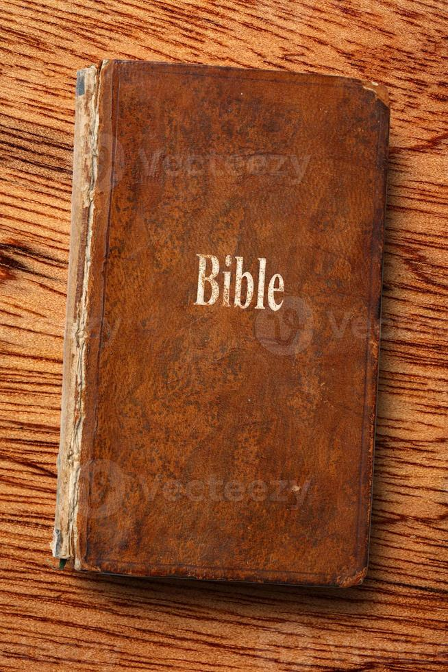 gammal bibelbok foto