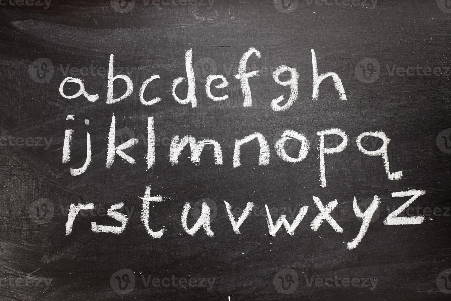 svarta tavlan alfabetet foto