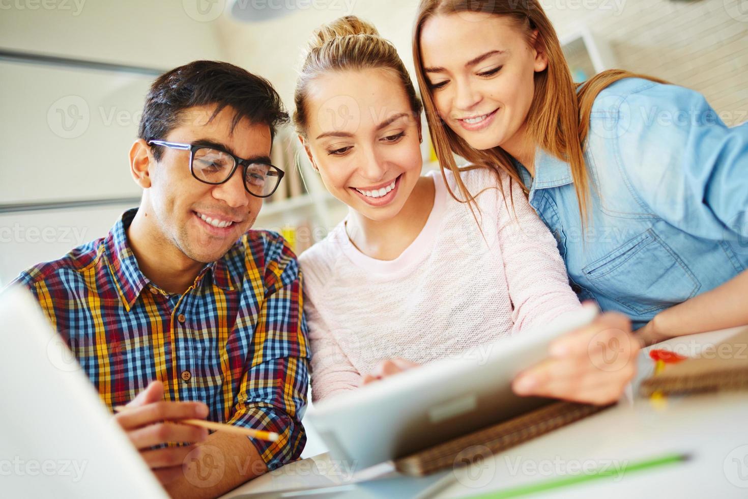 tonårsstudenter foto