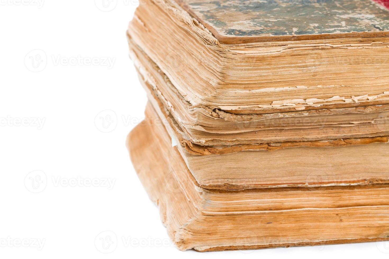 hög med gamla böcker foto