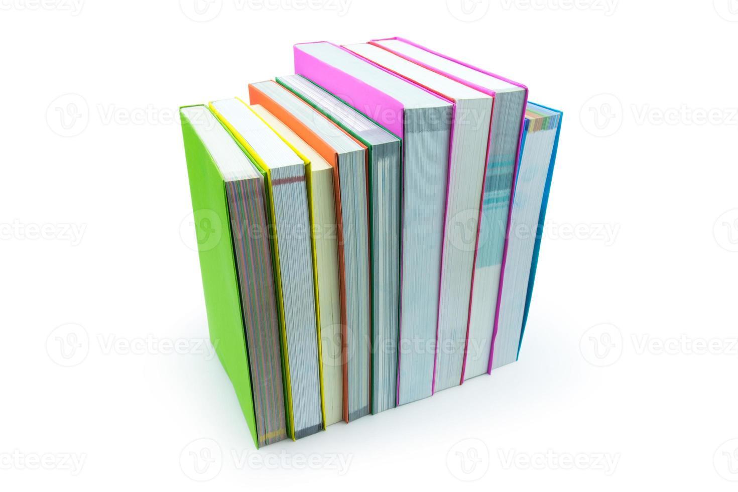 bok isolerad på vit bakgrund foto