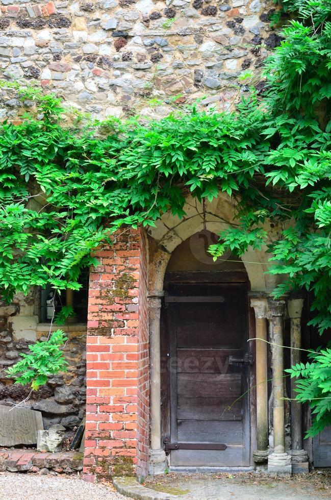 medeltida dörröppning foto