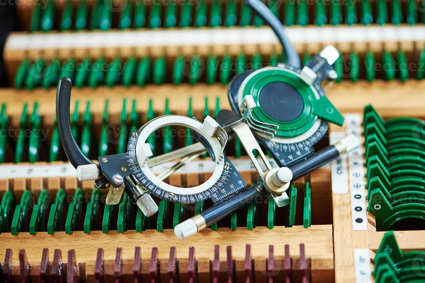 testglasögonphoropter för synundersökningar foto