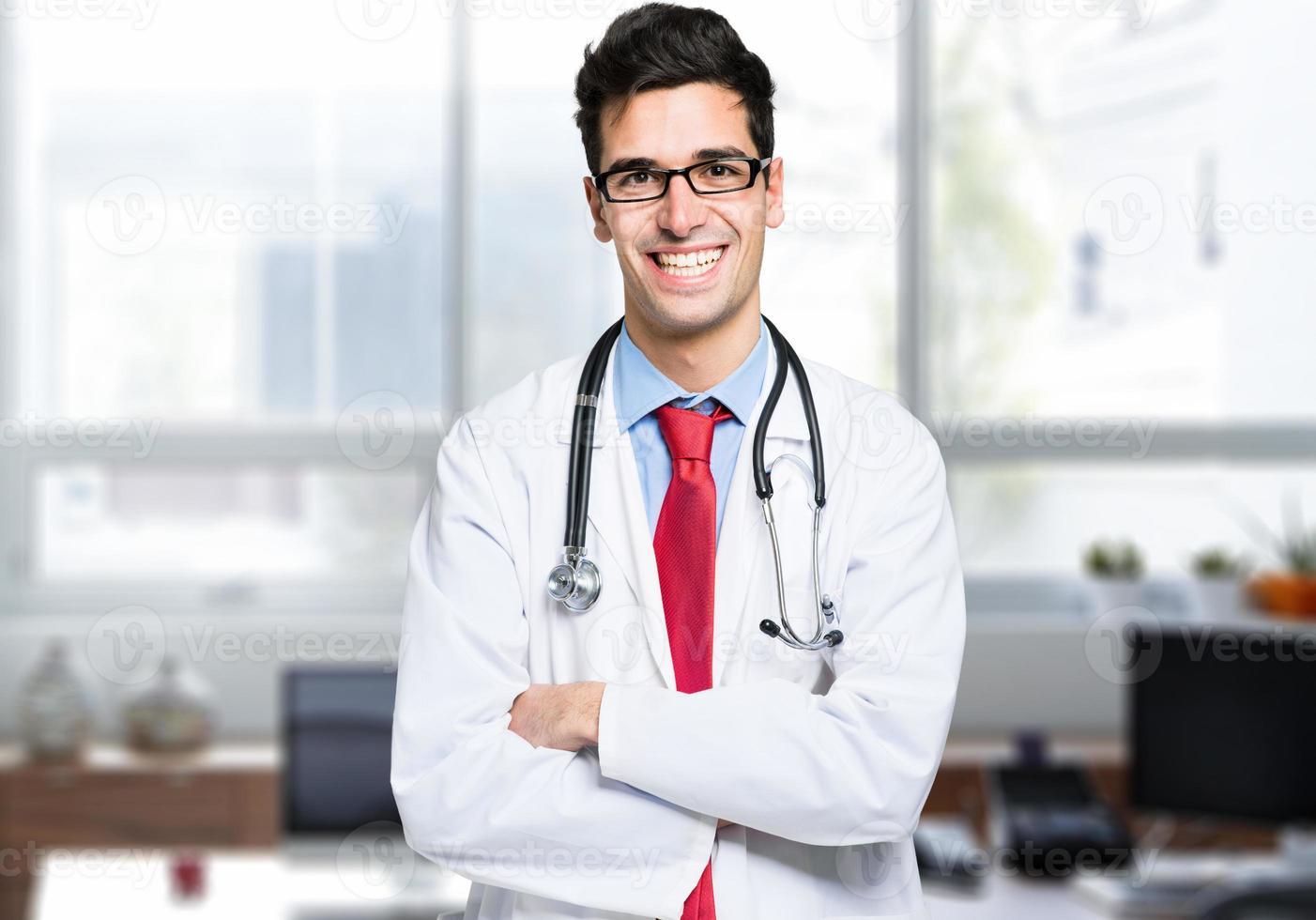 stilig ung läkare foto