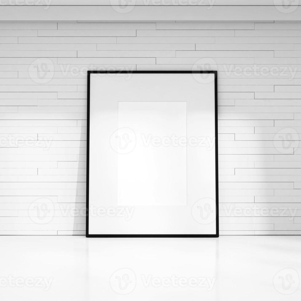 vit dekorativ vägg med tom bildram foto