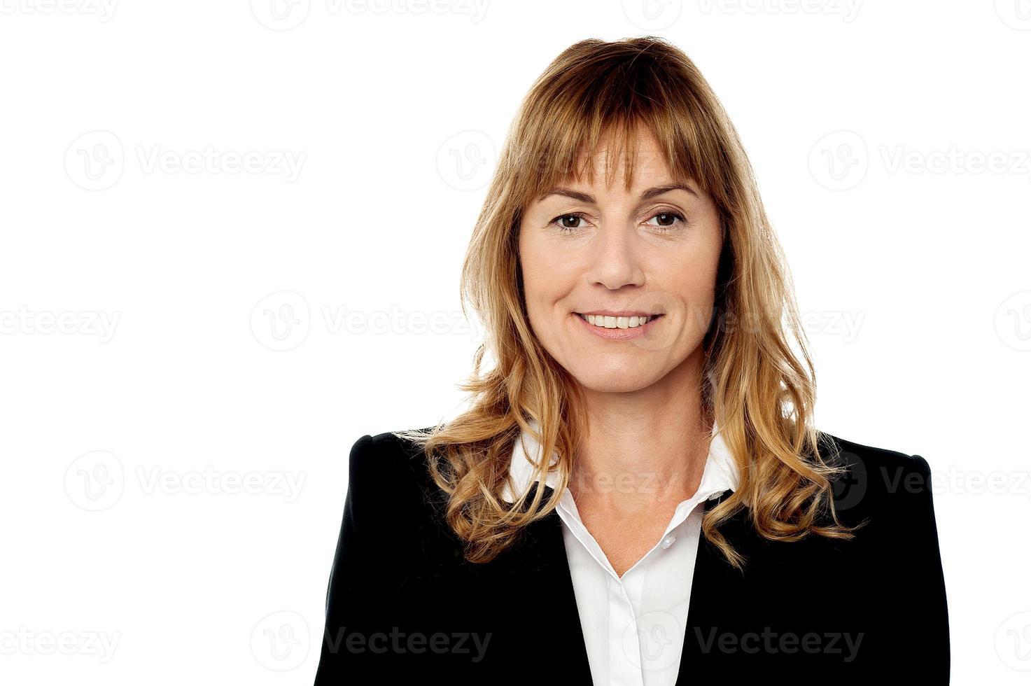 företags kvinnastående, isolerad på vitt foto