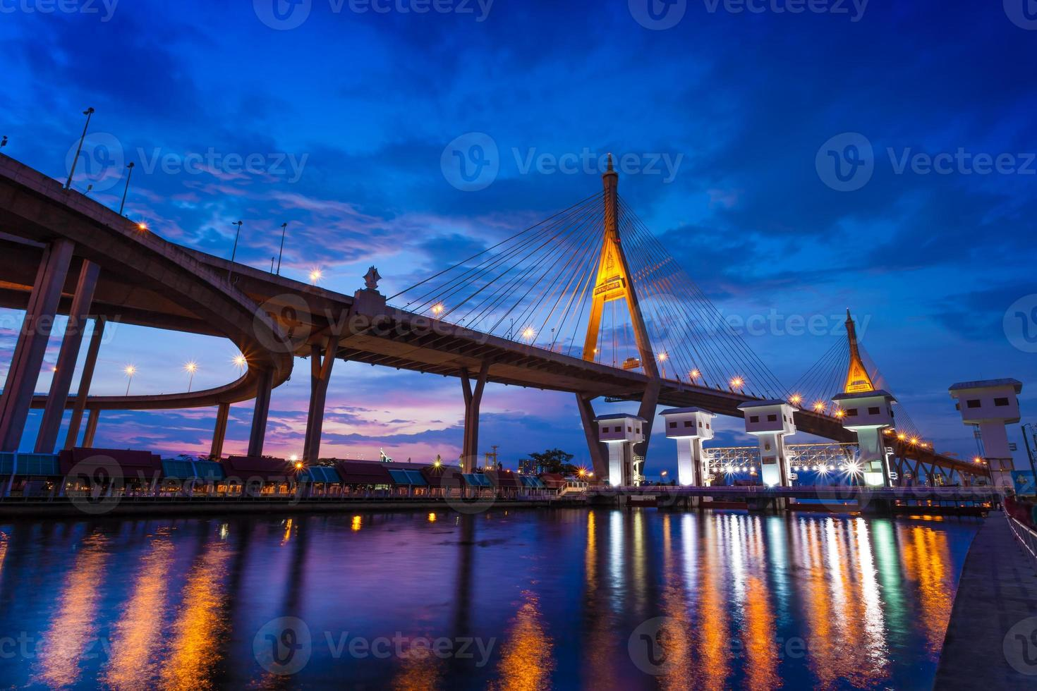 bhumibol bron, Thailand foto