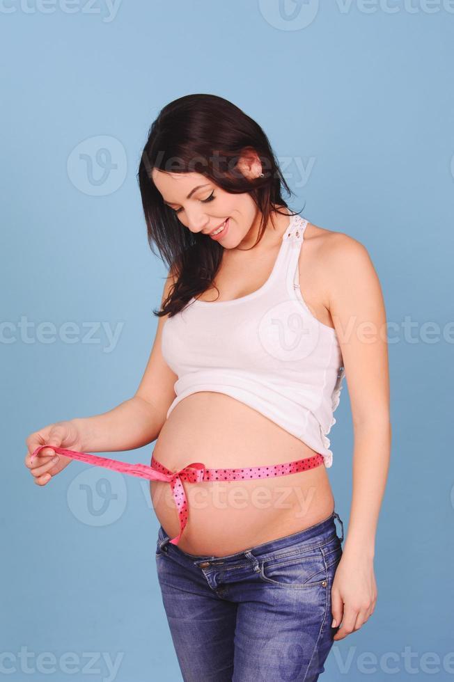 vacker gravid kvinna foto