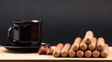 världsberömda handrullade kubanska cigarrer foto