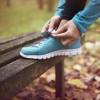 bra skor är grunden för att springa foto
