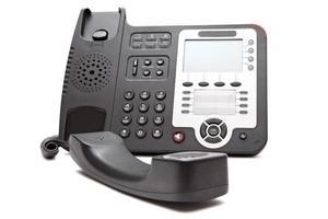 svart ip-telefon isolerad på nära håll foto