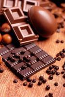 påskägg och blandad choklad foto