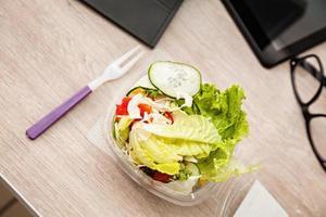 lunchtid på kontoret foto