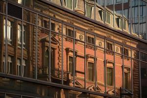 gammal vs ny arkitektur foto