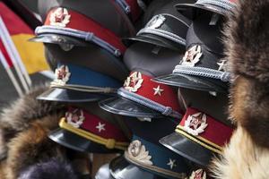 militära hattar foto