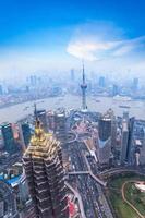 vackra shanghai i skymningen foto