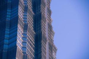 mur av kontorsbyggnader närbild, shanghai, jinmao tornet foto