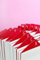 röd visitkortshållare foto