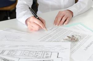 kund som tecknar ett fastighetsavtal