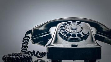 gammal svart telefon