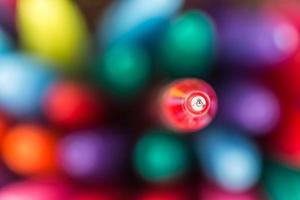 färgade kulspetspennor foto