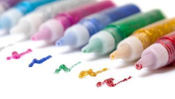 ställa in färgglada glitterpennor