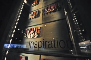 inspiration text och artefakta medaljer av ära foto