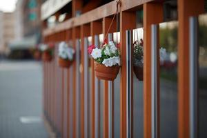 fasad dekorerad med blommor foto