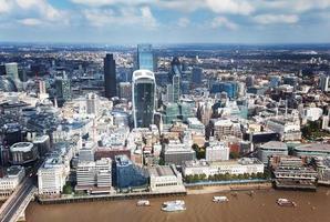 staden London och solig dag foto