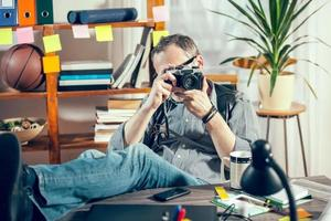 fotograf arbetar