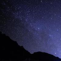 natthimlen med stjärnor foto