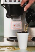 affärsman hälla ett kaffe foto