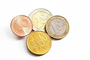 eurocent på vit höjd vy