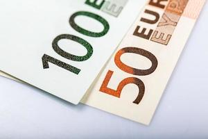 närbild av eurosedlar foto