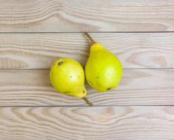 päron på bordet. foto