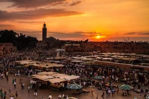 jamaa el fna, marrakesh, marocko. foto