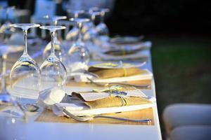 bröllop inställning utomhus firande foto