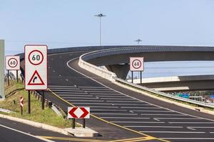 ny motorvägskorsning foto
