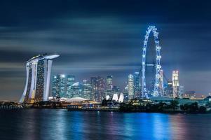 singapore stad på natten foto